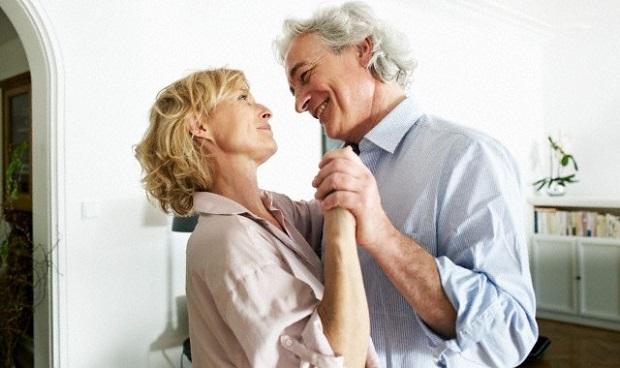 9 ok, hogy miért előnyös a fogászati implantátum
