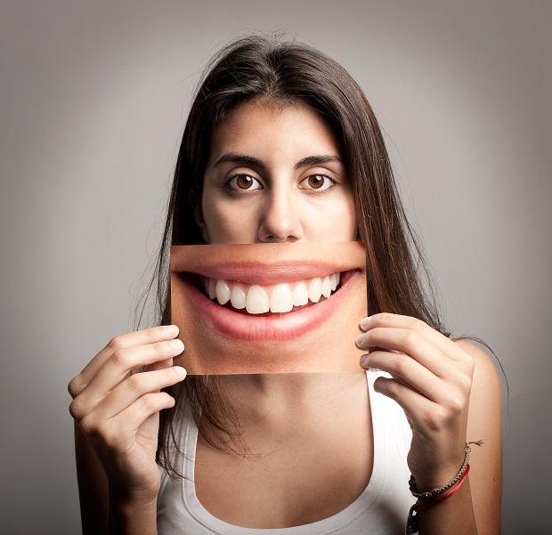 hamis-mosoly A mosoly és ami mögötte van