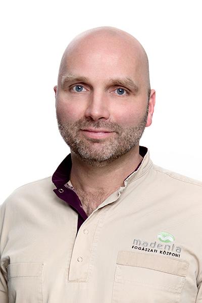 Dr. Pákozdy László